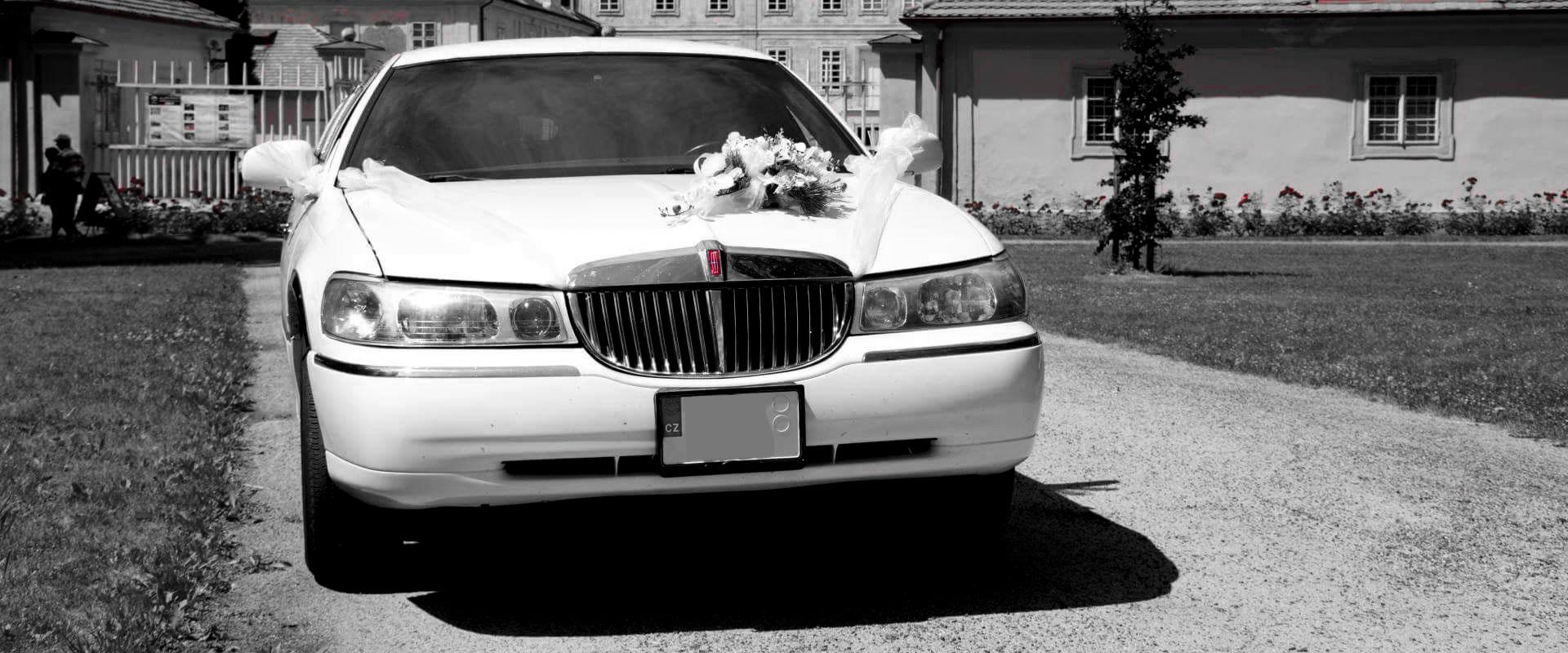 Interiér luxusní limuzíny Lincoln Town Car 120