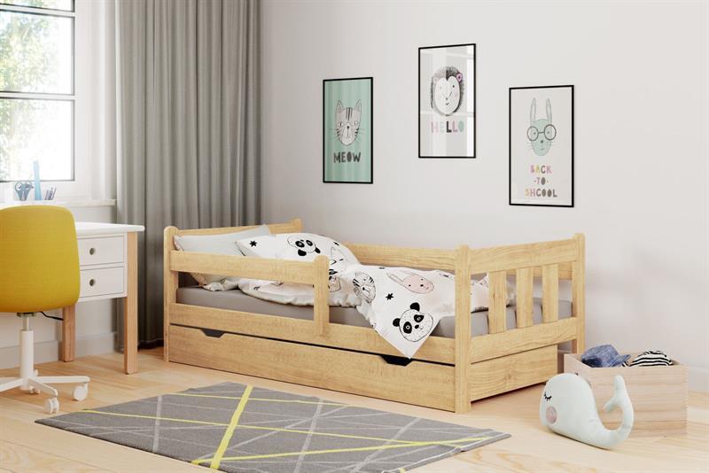 Dětská postel Marina borovice lakovaná